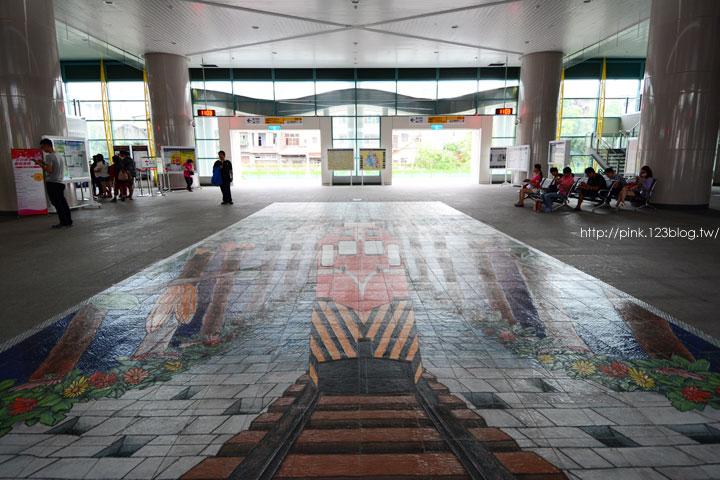 驚見草間彌生高跟鞋,就在彰化新員林火車站!-DSC_5292.jpg