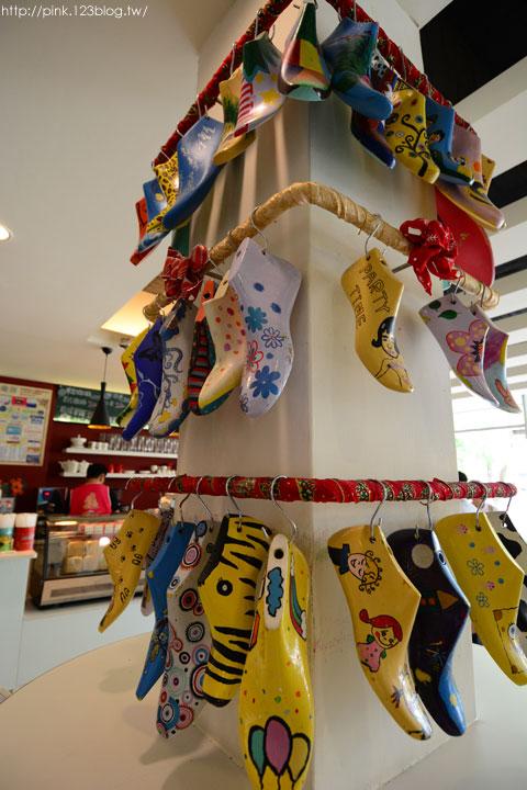 【台中景點】鞋寶觀光工廠.跟著鞋子去旅行!-DSC_5990.jpg