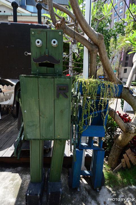 【台中寵物餐廳】R星咖啡。可愛貓星人坐伴、輕食野餐盒嚐鮮,超有趣的一間R星球餐廳!-DSC_0364.jpg
