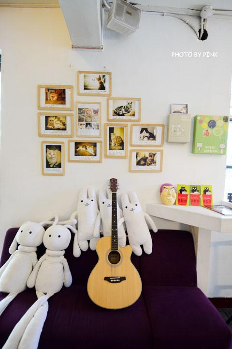 【台中寵物餐廳】R星咖啡。可愛貓星人坐伴、輕食野餐盒嚐鮮,超有趣的一間R星球餐廳!-DSC_0392.jpg
