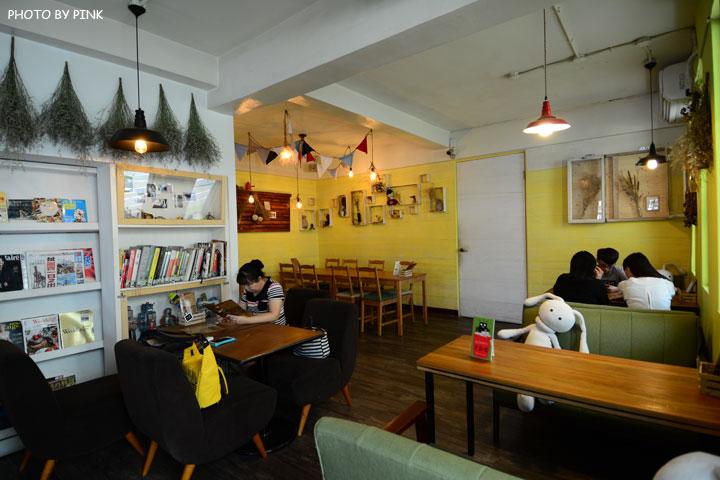 【台中寵物餐廳】R星咖啡。可愛貓星人坐伴、輕食野餐盒嚐鮮,超有趣的一間R星球餐廳!-DSC_0401.jpg