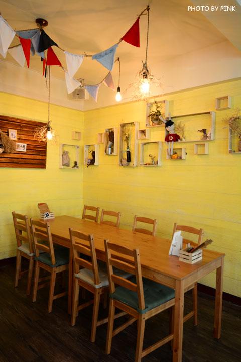 【台中寵物餐廳】R星咖啡。可愛貓星人坐伴、輕食野餐盒嚐鮮,超有趣的一間R星球餐廳!-DSC_0402.jpg