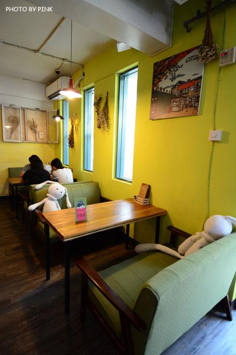 【台中寵物餐廳】R星咖啡。可愛貓星人坐伴、輕食野餐盒嚐鮮,超有趣的一間R星球餐廳!-DSC_0415.jpg