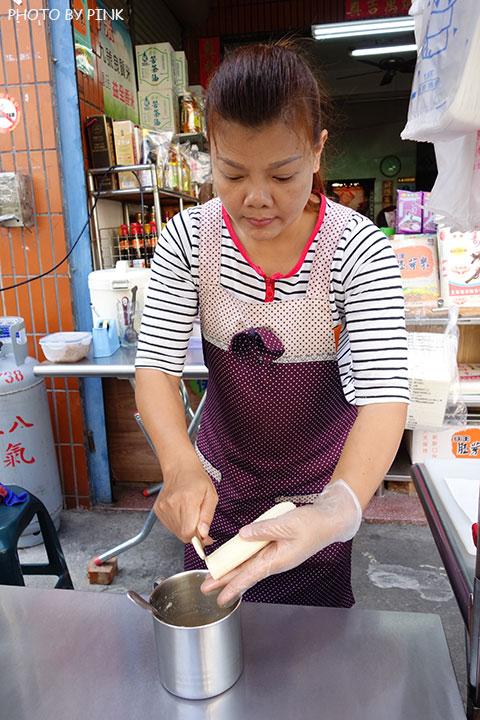 【彰化員林美食】香蕉煎餅.泰式奶茶。濃濃的異國風味小吃,沙哇滴卡~-DSC01148.jpg