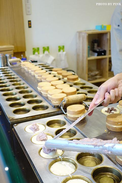 【台中甜點】大判燒。創意日式紅豆餅,多達十七種口味任君挑選,必吃鹹蛋黃芋頭口味!-DSC08509.jpg