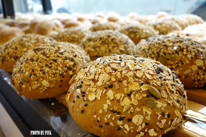 【南投市麵包店】葡萄樹麵包坊。豐富多樣化的台、歐式麵包,挑剔你熱愛米胖的味蕾!-DSC01545.jpg
