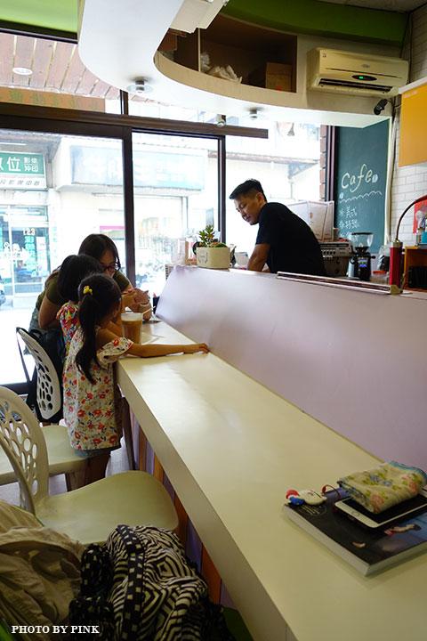 【員林蔬食餐廳】小蔬苑蔬食創意料理。人氣美式素漢堡,大份量超滿足!-DSC02927.jpg