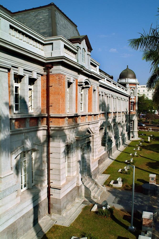 國立台灣文學館建築外觀 (使用圖檔請於適當位置標示「國立台灣文學館提供,林柏樑攝影」)