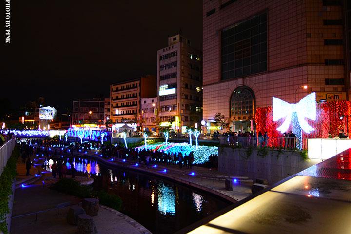 【2017台中聖誕節】柳川藍帶水岸。全台唯一水中聖誕樹,絕美閃耀岸河畔!-DSC_5812.jpg