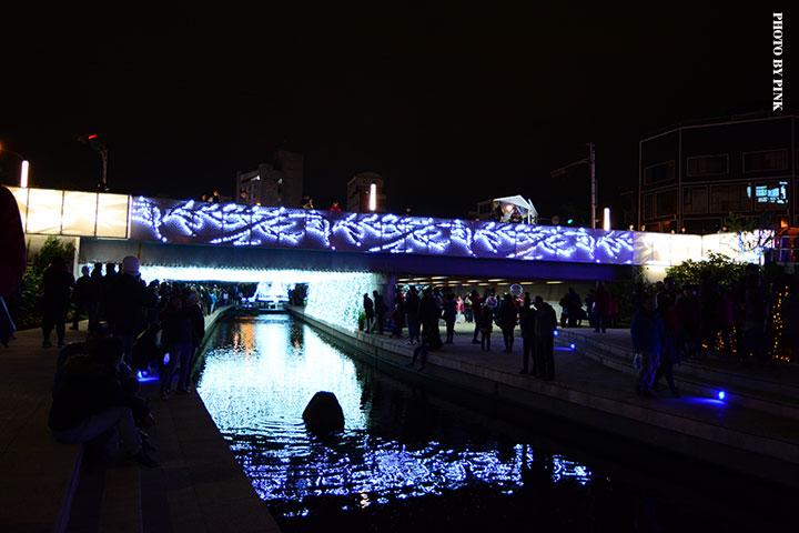 【2017台中聖誕節】柳川藍帶水岸。全台唯一水中聖誕樹,絕美閃耀岸河畔!-DSC_5828.jpg