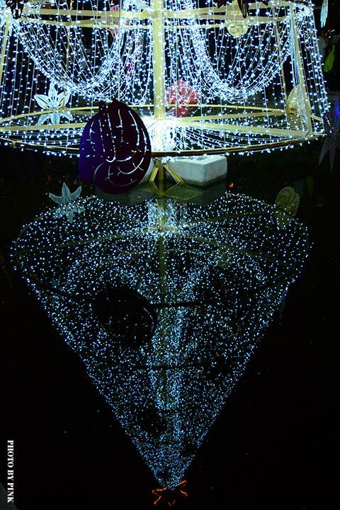 【2017台中聖誕節】柳川藍帶水岸。全台唯一水中聖誕樹,絕美閃耀岸河畔!-DSC_5881.jpg