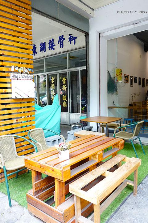 【草屯咖啡館】甜客思Thanks寵物咖啡館。喝咖啡、嚐甜食、還有阿登喵星人坐陪!-DSC08696.jpg