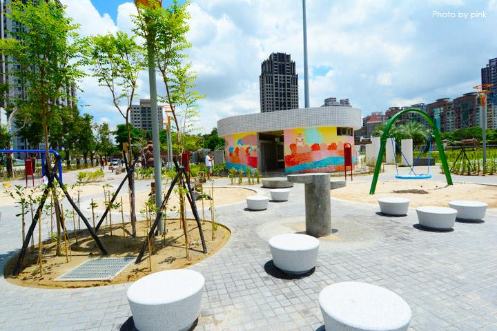 【台中親子公園】豐樂雕塑公園。全新改版親子遊戲區,白砂、溜滑梯、盪鞦韆等,超好玩!-DSC_6230.jpg