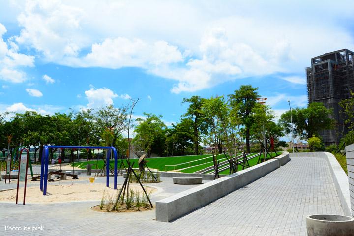 【台中親子公園】豐樂雕塑公園。全新改版親子遊戲區,白砂、溜滑梯、盪鞦韆等,超好玩!-DSC_6245.jpg