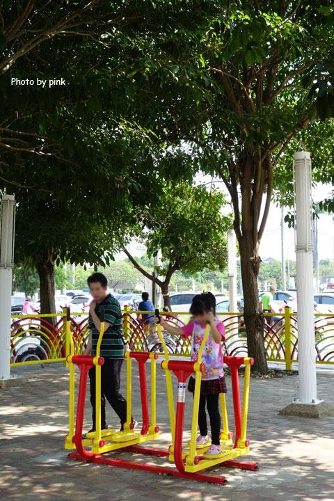 【草屯景點】草屯兒童樂園。摩天輪、彩色球池、馬車等好玩設施讓小朋友玩翻天!-DSC00453.jpg