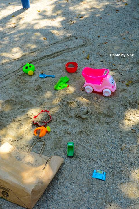 【台中太平景點】新坪公園。小而巧的兒童公園,還有超可愛粉紅章魚溜滑梯陪玩!-DSC_8922.jpg
