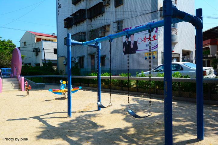 【台中太平景點】新坪公園。小而巧的兒童公園,還有超可愛粉紅章魚溜滑梯陪玩!-DSC_8923.jpg
