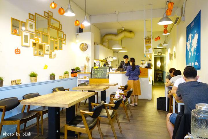 【台中西區蔬食】盧仕咖啡LusCoffee。咖啡、蔬食、甜點複合式餐廳,文青風格hen引人!-DSC00737.jpg