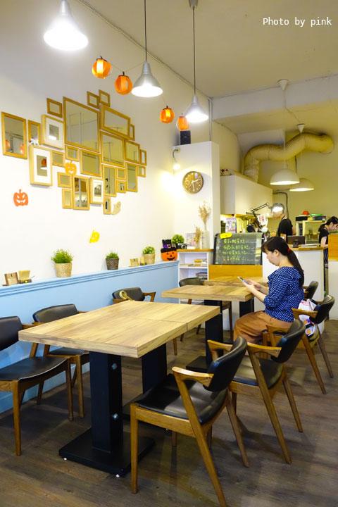 【台中西區蔬食】盧仕咖啡LusCoffee。咖啡、蔬食、甜點複合式餐廳,文青風格hen引人!-DSC00749.jpg