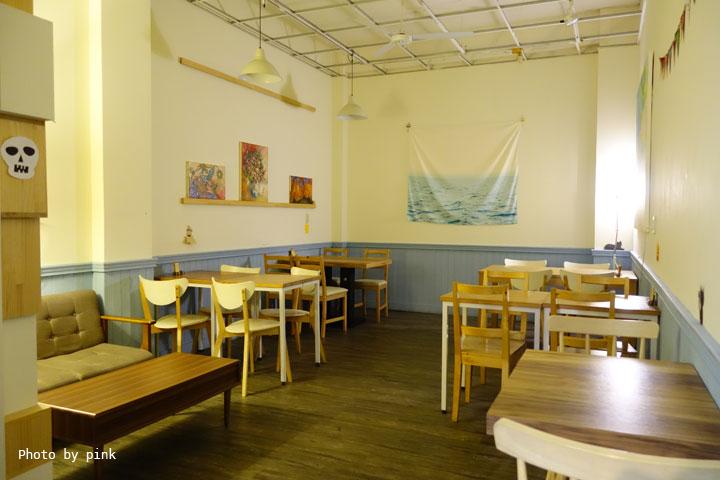 【台中西區蔬食】盧仕咖啡LusCoffee。咖啡、蔬食、甜點複合式餐廳,文青風格hen引人!-DSC00762.jpg