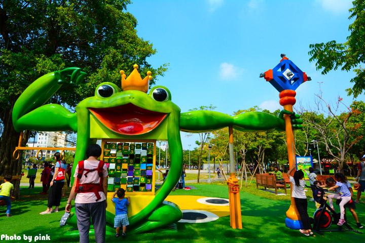 【嘉義市景點】文化公園。樹蛙成長日記為主題的共融式遊戲場,豐富有趣又好玩!-DSC_9072.jpg