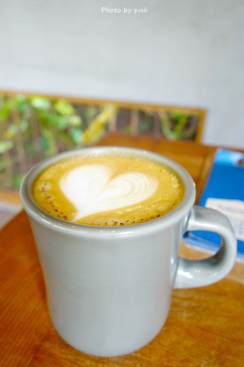 【員林咖啡店】樂居咖啡。咖啡館裡除了甜點也能吃到台式滷味,顛覆你的想像!-DSC01184.jpg
