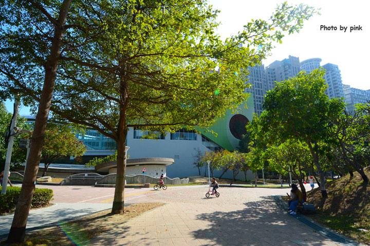 【台中文心森林公園】新增兒童遊戲設施,親子遊新去處!-DSC_1102.jpg