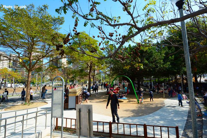 【台中文心森林公園】新增兒童遊戲設施,親子遊新去處!-DSC_1128.jpg