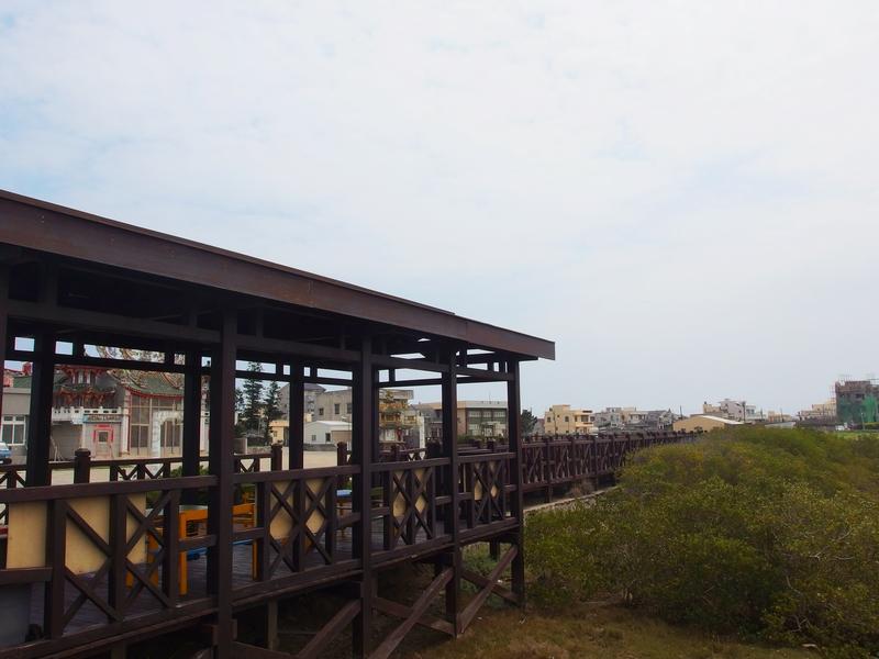青螺濕地涼亭觀賞濕地生態