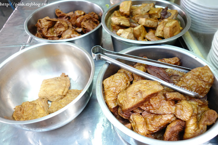 【竹山素食】廟口素食麵。平價素食小吃,台式就是古早味!(連興宮旁)-DSC01850.jpg