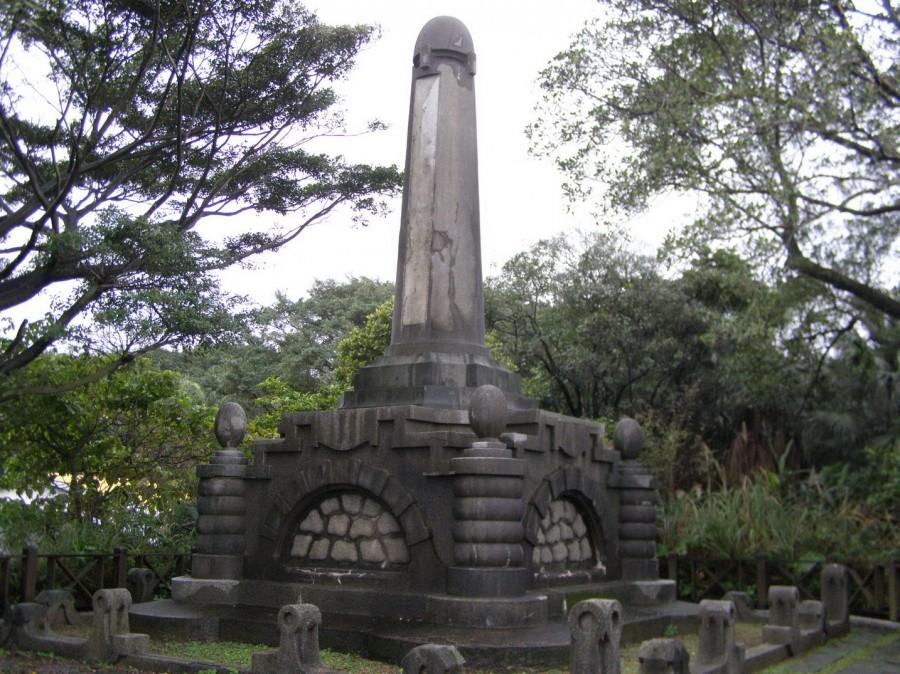 築港殉職者紀念碑1