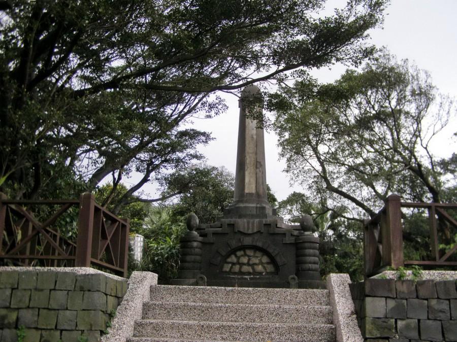 築港殉職者紀念碑3